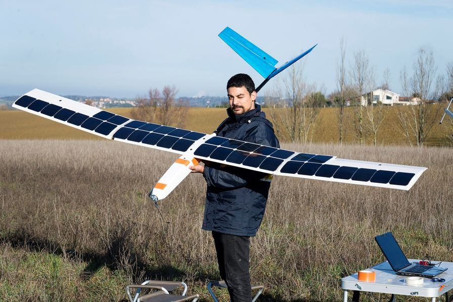 Solar Power Offers Bird's-eye View For a Fraction of the Cost